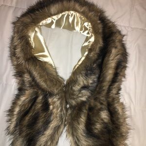 Accessories - Faux Fur Shaw